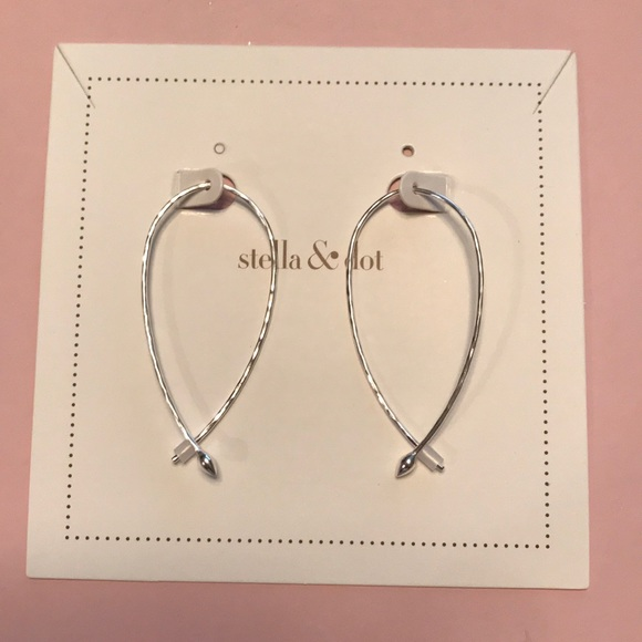 317da34bf10ad NWT Stella & Dot Silver Hammered Wire Small Hoops NWT